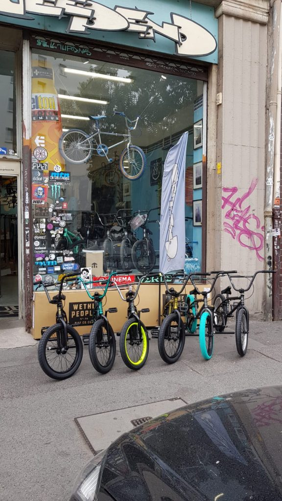 deepend bmx skate graffiti streetwear shop im frankfurter ostend. Black Bedroom Furniture Sets. Home Design Ideas